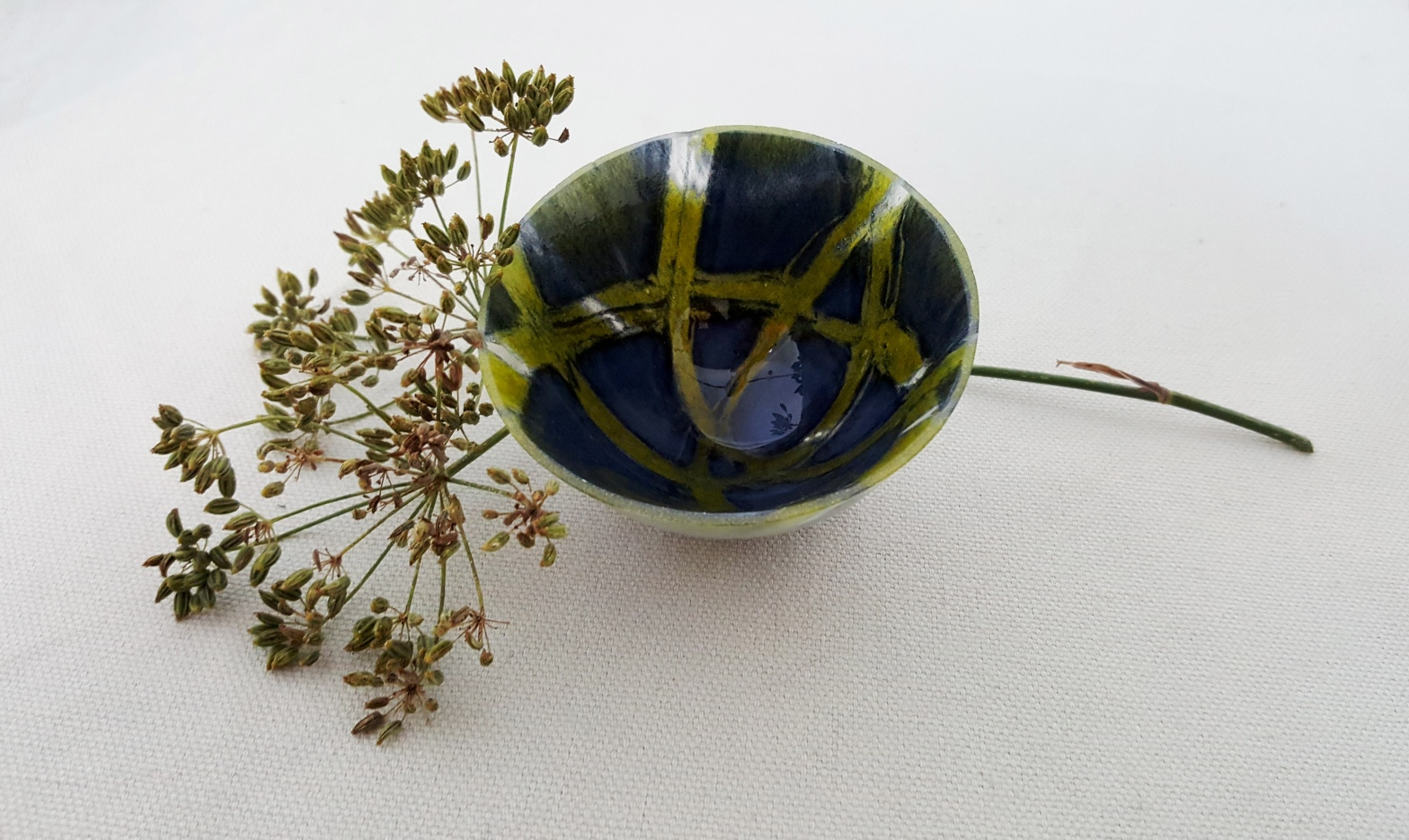 blue-green-rocking-bowl-Pip Stacey-Feathered Glass