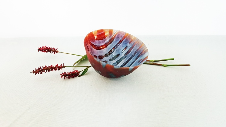 red-rocking-bowl-Pip Stacey-Feathered Glass
